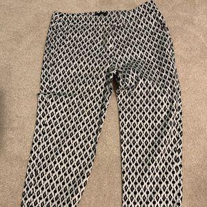 Black and white carpi pants